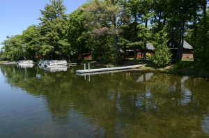 Beautiful_lakefront_location