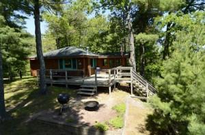 One-bedroom_honeymoon_cabin