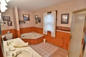 grand-pines-cabin1-24