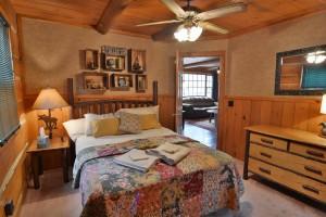 grand-pines-cabin11-14