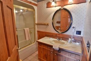 grand-pines-cabin3-19