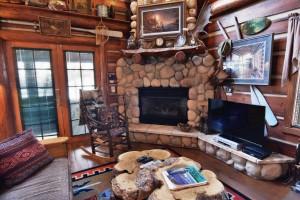 grand-pines-cabin6-12